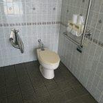 車椅子対応トイレ(南口1階)