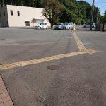 敷地内点字ブロック<br /> (門から建物入口まで)